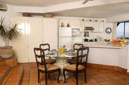 playa-del-sol-kitchen-area